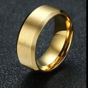 Gold Men's Wedding Ring Band